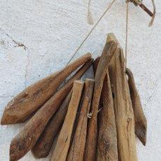 Antigüedades: GRAN LOTE ANTIGUOS BADAJOS DE MADERA ENCINA PARA CENCERROS. Lote 167869772