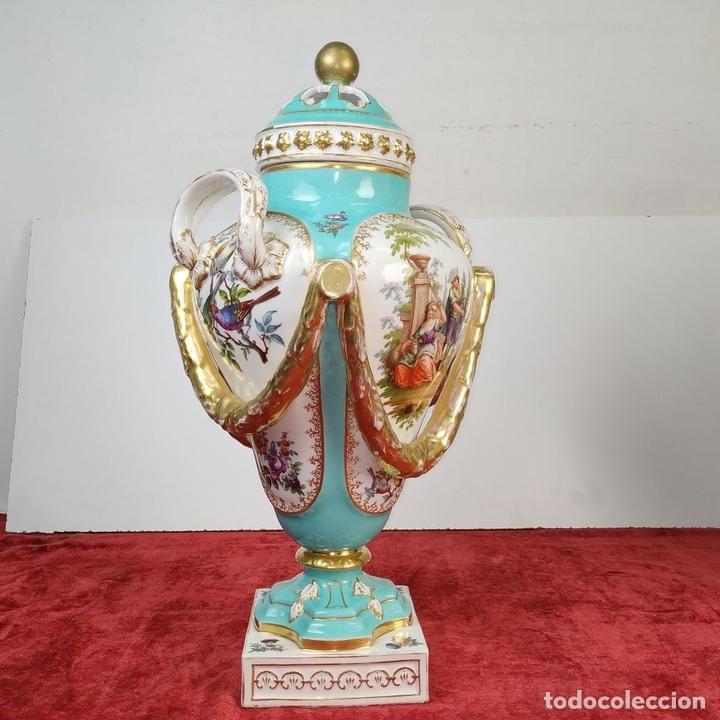 Antigüedades: PAREJA DE JARRONES ROCOCÓ. PORCELANA ESMALTADA. MEISSEN. CIRCA 1720(?). ALEMANIA - Foto 5 - 167949424