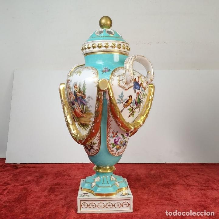 Antigüedades: PAREJA DE JARRONES ROCOCÓ. PORCELANA ESMALTADA. MEISSEN. CIRCA 1720(?). ALEMANIA - Foto 9 - 167949424