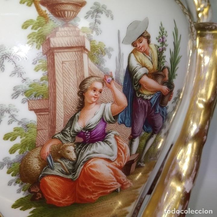Antigüedades: PAREJA DE JARRONES ROCOCÓ. PORCELANA ESMALTADA. MEISSEN. CIRCA 1720(?). ALEMANIA - Foto 12 - 167949424