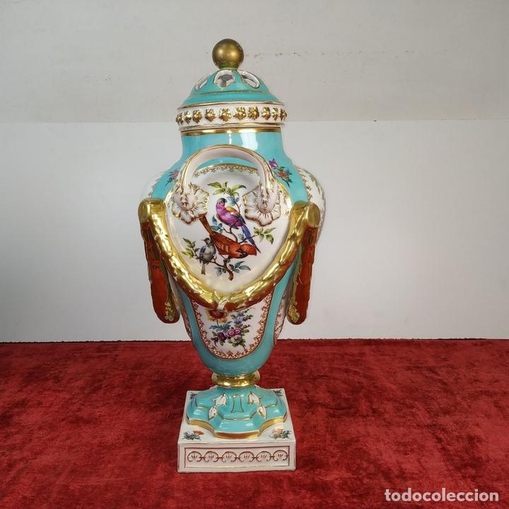 Antigüedades: PAREJA DE JARRONES ROCOCÓ. PORCELANA ESMALTADA. MEISSEN. CIRCA 1720(?). ALEMANIA - Foto 22 - 167949424