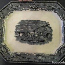 Antigüedades: BANDEJA EN CERAMICA DE CARTAGENA - ESCENA DIFERENTE. Lote 167971680