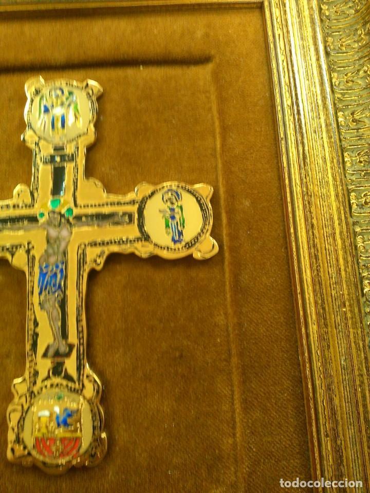 Antigüedades: Cruz de bronce con esmaltes -- TAMAÑO MARCO 28X24 - Foto 3 - 167974608