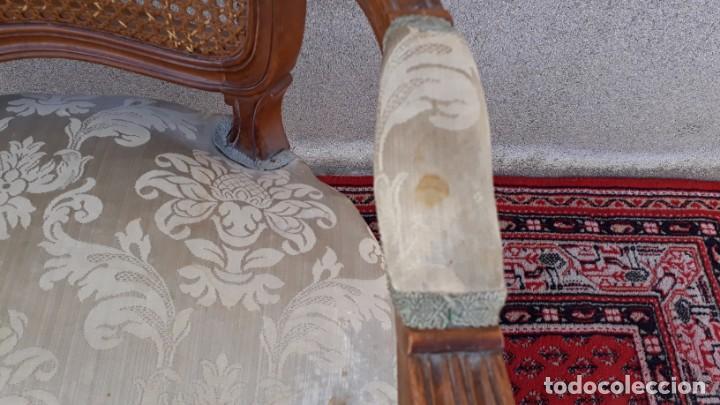Antigüedades: Silla de rejilla antigua estilo Luis XV. Sillón antiguo. Silla descalzadora antigua vintage. - Foto 6 - 167980792