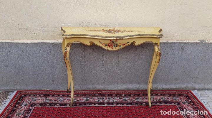 Antigüedades: Consola antigua policromada flores. Consola antigua estilo Luis XV isabelino. Mueble vintage. - Foto 2 - 167981692