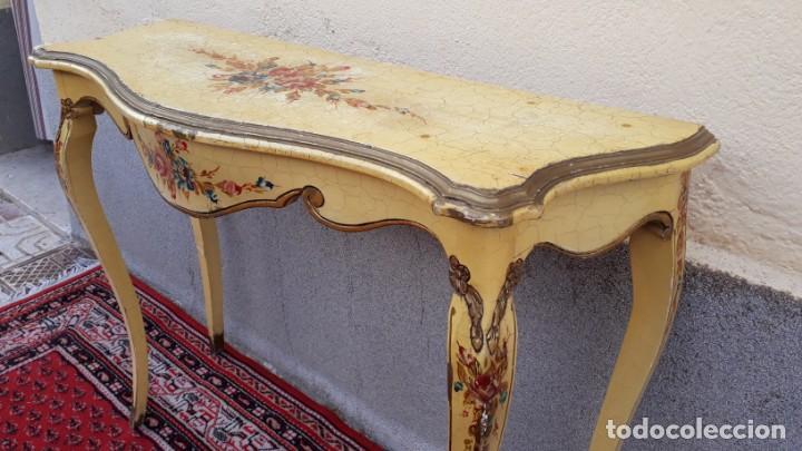 Antigüedades: Consola antigua policromada flores. Consola antigua estilo Luis XV isabelino. Mueble vintage. - Foto 3 - 167981692