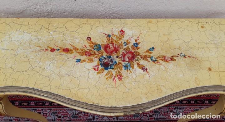 Antigüedades: Consola antigua policromada flores. Consola antigua estilo Luis XV isabelino. Mueble vintage. - Foto 11 - 167981692