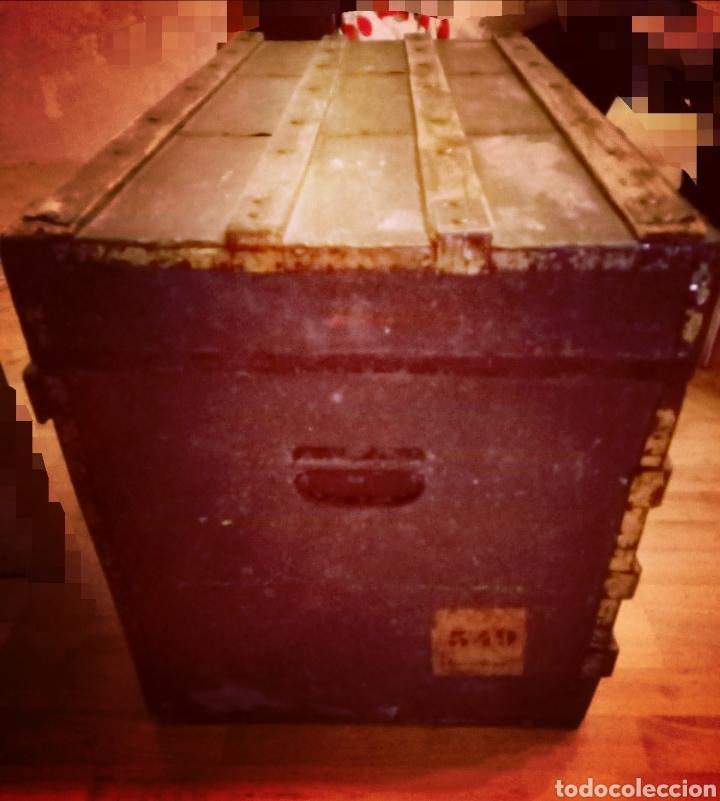 Antigüedades: Antiguo Baul de madera y tela - Siglo XIX - Foto 2 - 168008142
