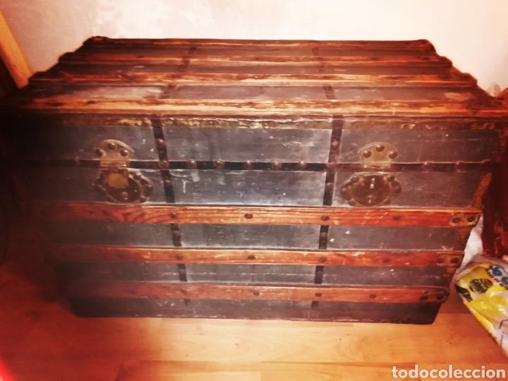 ANTIGUO BAUL DE MADERA Y TELA - SIGLO XIX (Antigüedades - Muebles Antiguos - Baúles Antiguos)