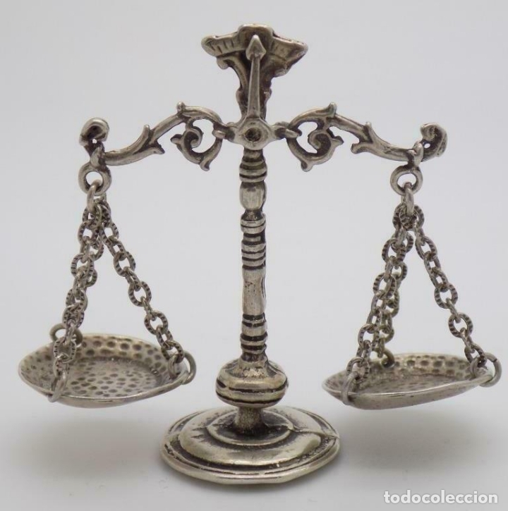 Antigüedades: ANTIGUA BALANZA EN PLATA DE LEY MINIATURA PRECIOSA OBRA DE ARTE CONTRASTES - Foto 4 - 168073024
