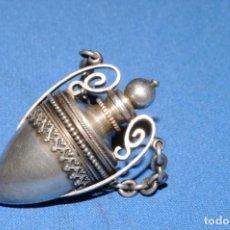 Antigüedades: PERFUMERO O PERFUMADOR DE PLATA. ORIGINAL. HACIA 1880. Lote 168080912