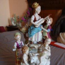 Antigüedades: FIGURA DE PORCELANA ALEMANA DE MEISSEN DE MEDIADOS DEL SIGLO XX. Lote 168092732