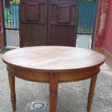 Antigüedades: ANTIGUA MESA DE MADERA DE NOGAL. RESTAURADA.. Lote 168112516