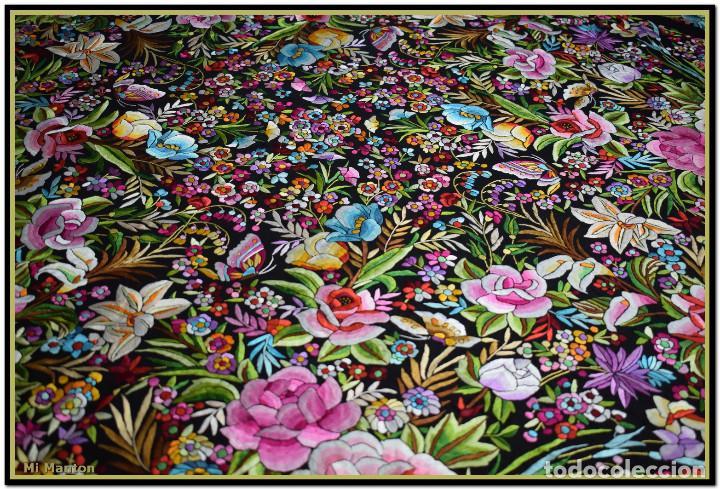 Antigüedades: Manton de Manila seda bordada a mano doble cara vintage. Espectacular - Foto 3 - 168115156