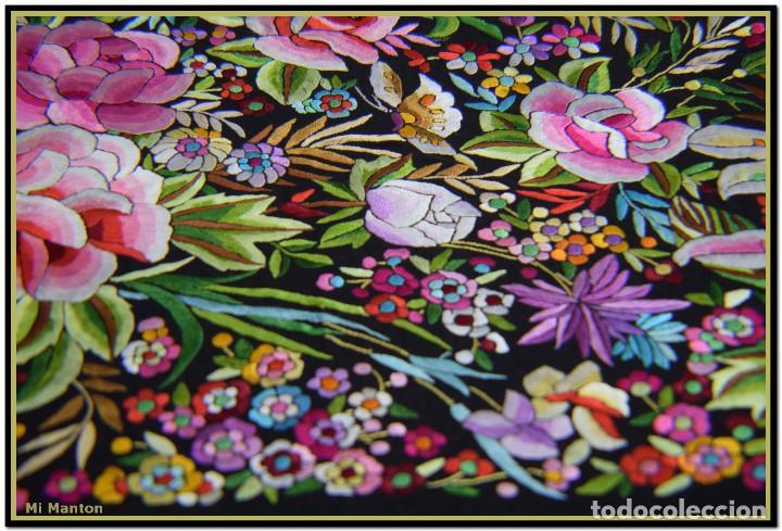 Antigüedades: Manton de Manila seda bordada a mano doble cara vintage. Espectacular - Foto 7 - 168115156