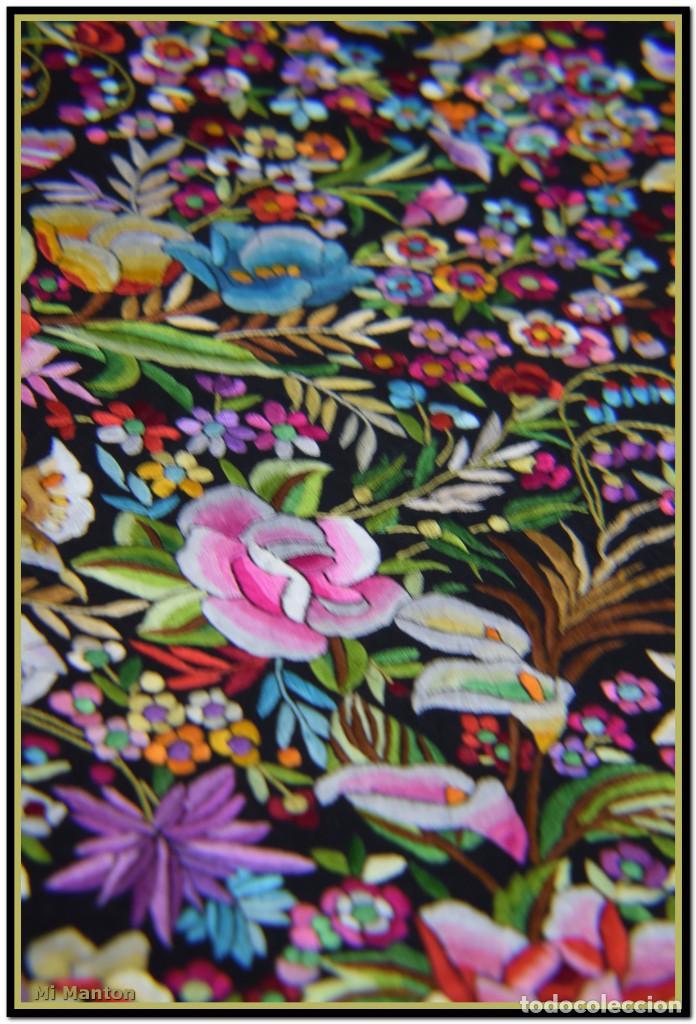 Antigüedades: Manton de Manila seda bordada a mano doble cara vintage. Espectacular - Foto 8 - 168115156