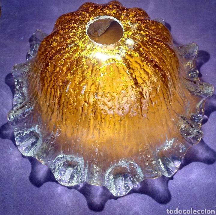 Antigüedades: Gran tulipa de cristal de Murano. Lampara de techo de vidrio prensado, 15cm Alt. X 29cm Diametro - Foto 2 - 168115778
