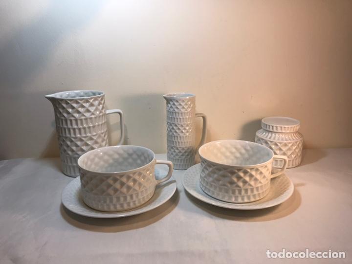 JUEGO DE DESAYUNO TÚ Y YO DE PORCELANA- ESPAÑA- CASTRO SARGADELOS. (Antigüedades - Porcelanas y Cerámicas - Sargadelos)