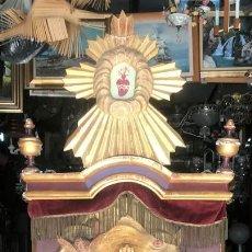 Antigüedades: ALTAR SAGRADO CORAZÓN DE JESÚS, AÑOS 20, CON ILUMINACIÓN. Lote 168149224