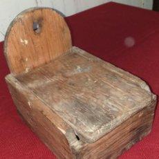 Antigüedades: ANTIGUO SALERO DE MADERA. Lote 168160580