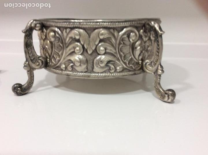 Antigüedades: Jardinera o centro de mesa de metal repujado - Foto 3 - 168202072