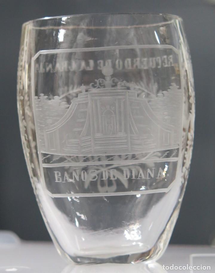 VASO RECUERDO. BAÑOS DE DIANA. LA GRANJA. SEGOVIA. FINALES SIGLO XIX (Antigüedades - Cristal y Vidrio - La Granja)