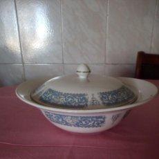 Antigüedades: PRECIOSA LEGUMBRERA DE PORCELANA JOHNSON BROS,DECORACION AZUL CLARO. Lote 168328536
