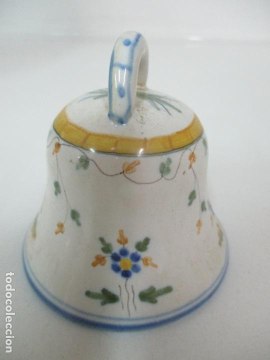 Antigüedades: Bonita Campana, Campanilla - Porcelana Alcora - Firma EF - Foto 4 - 168360860