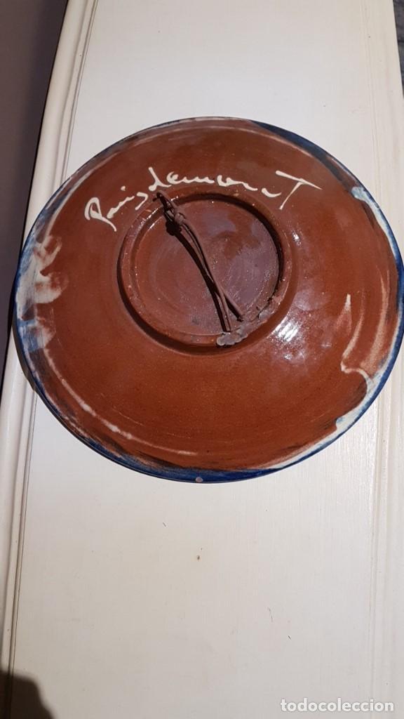 Antigüedades: PLATO CERAMICA POPULAR VIDRIADA LA BISBAL FIRMA PUIGDEMONT COLORES VIVOS. ALFARERÍA CATALANA - Foto 5 - 168373612