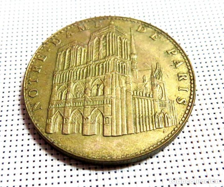 MEDALLA NOTRE DAME DE PARIS 2006 (Antigüedades - Religiosas - Medallas Antiguas)