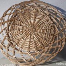 Antigüedades: BANDEJA DE MIMBRE . Lote 168397148