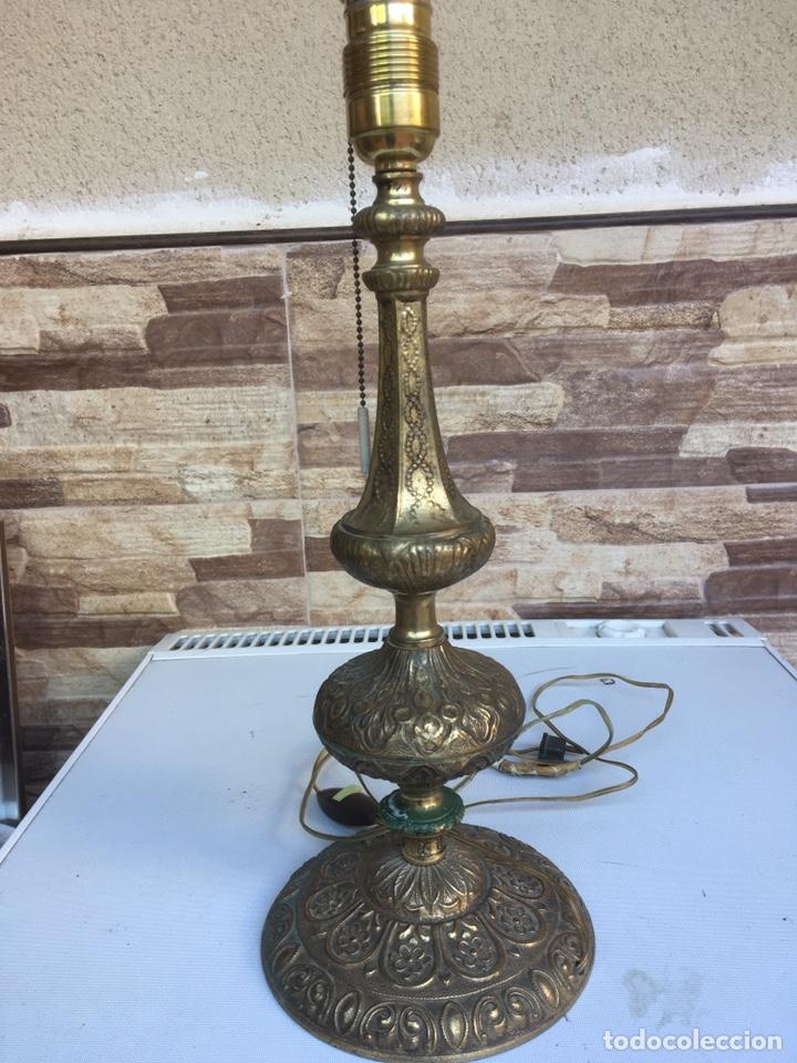 Antigüedades: PIE DE LAMPARA DE METAL LABRADO 43 CTM DE ALTA X 16 CTM DE BASE - Foto 3 - 168397848