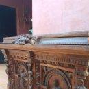 Antigüedades: PRECIOSO Y ANTIGUO BAÚL ARCON CON RICAS TALLAS 110 LARGO 65 ANCHO 75 ALTO. Lote 168401672