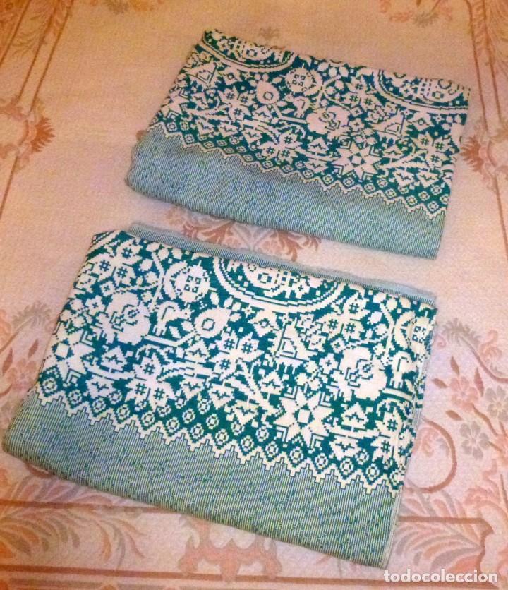 Antigüedades: Pareja de antiguas colchas cubre camas de algodon en color verde y blanco.220 x 170 cm - Foto 5 - 168505856