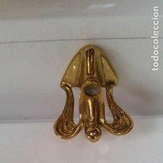 Antigüedades: ANGELITO CANDELERO SELADO MESSINGUE HANDPOLIERT HECHO EN HIERRO METALIZADO DORADO . Lote 167875000