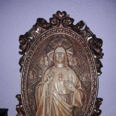Antigüedades: ANTIGUO SAGRADO CORAZON MODERNISTA DE ESTEVA REINARE TIPO PLAFON CRISTO PLACA DEVOCIONAL. Lote 168508057