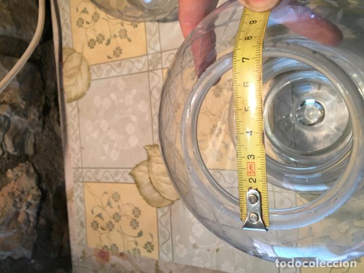 Antigüedades: Antiguas 2 tulipa / tulipas / globos de cristal tallado a mano años 40-50 - Foto 9 - 168522696