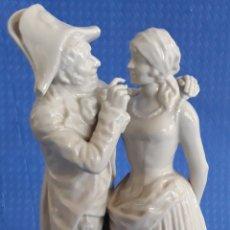 Antigüedades: CERAMICA SOLDADO FRANCÉS Y LABANDERA. Lote 168553834