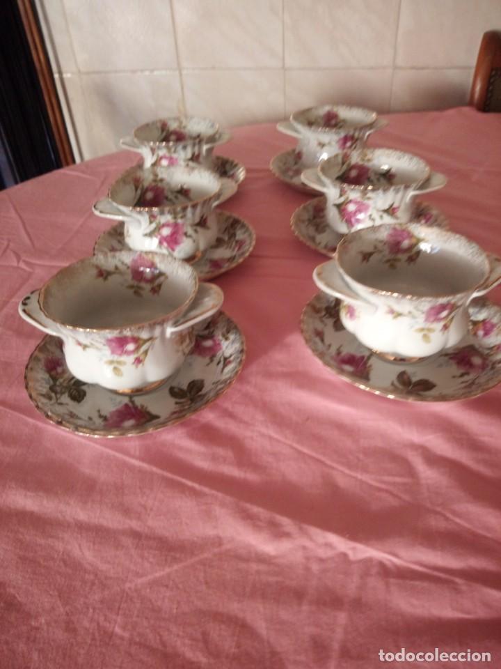 Antigüedades: Precioso juego de tazones con asa y platos de porcelana chodziez made in poland moss rose,12 piezas - Foto 3 - 168621436