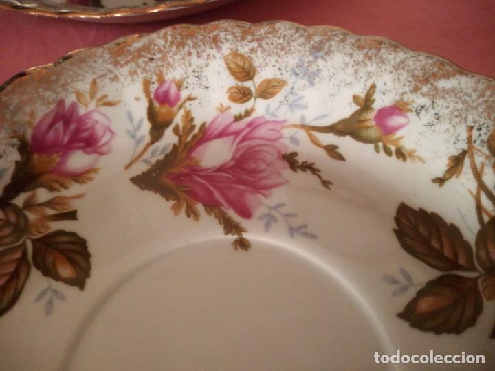 Antigüedades: Precioso juego de tazones con asa y platos de porcelana chodziez made in poland moss rose,12 piezas - Foto 8 - 168621436