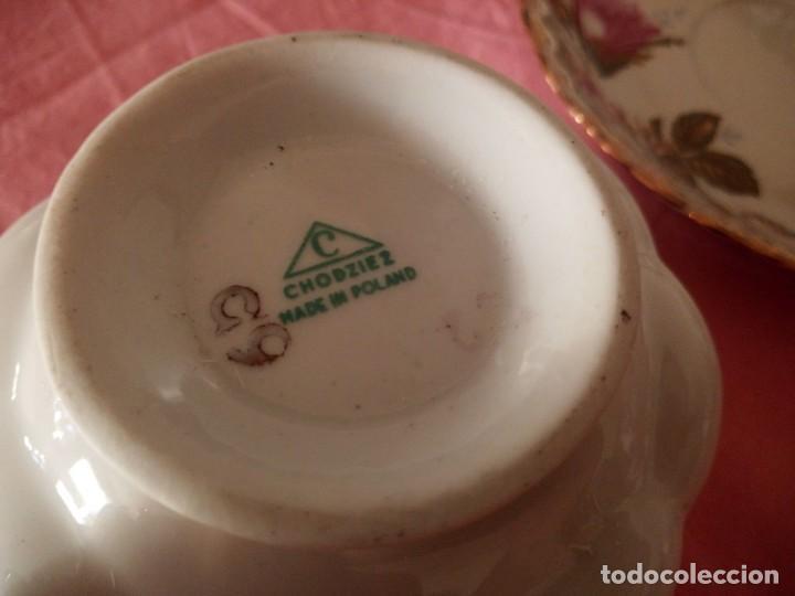 Antigüedades: Precioso juego de tazones con asa y platos de porcelana chodziez made in poland moss rose,12 piezas - Foto 12 - 168621436