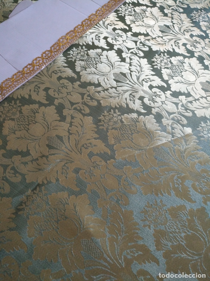 Antigüedades: manto 145x85cm brocado verde manzana oro para virgen esperanza semana santa con encaje manto capa - Foto 3 - 168625428