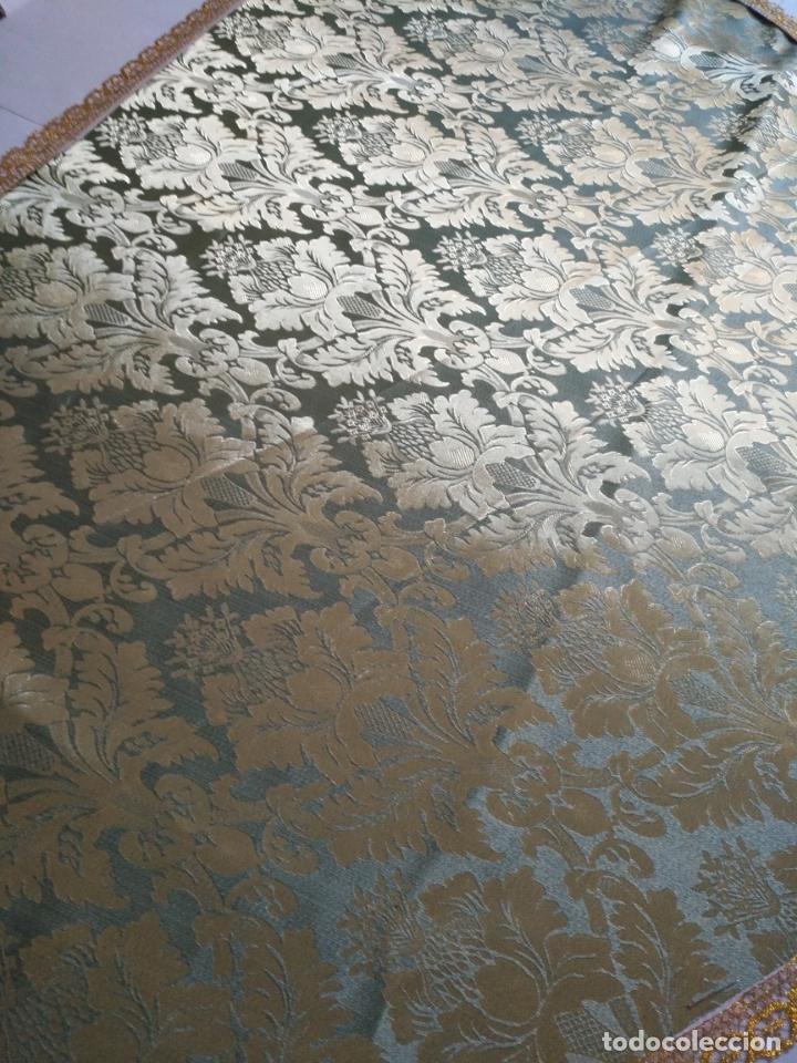 Antigüedades: manto 145x85cm brocado verde manzana oro para virgen esperanza semana santa con encaje manto capa - Foto 7 - 168625428