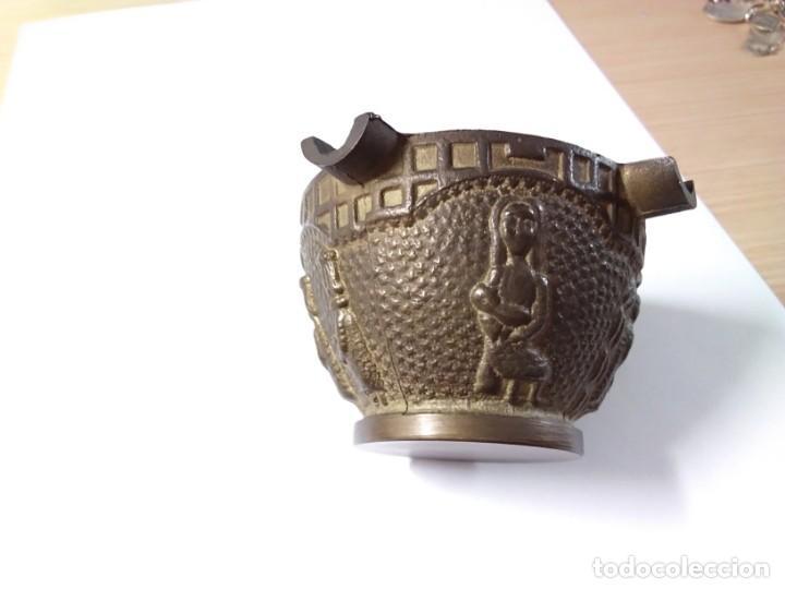 Antigüedades: CENICERO DE BRONCE CON IMÁGENES DE PESEBRE - Foto 5 - 168641068