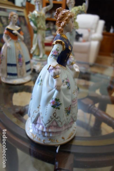 Antigüedades: FIGURA DE PORCELANA ALEMANA MEISSEN DEL SIGLO XX - Foto 2 - 168672064
