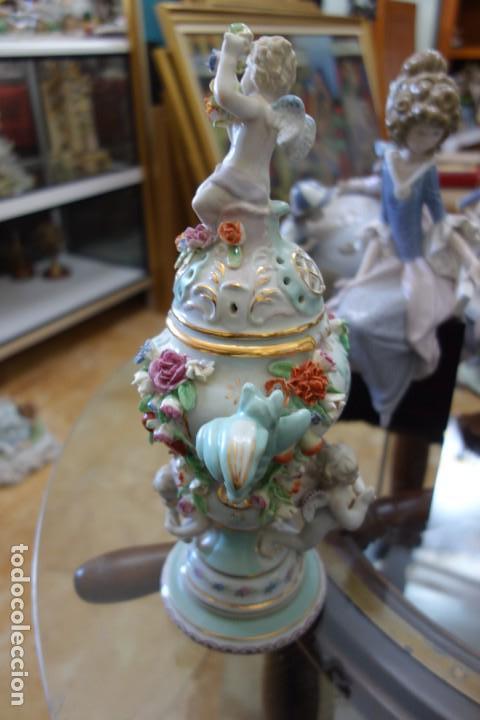 Antigüedades: BOMBONERA DE PORCELANA ALEMANA DEL SIGLO XIX - Foto 3 - 168679184