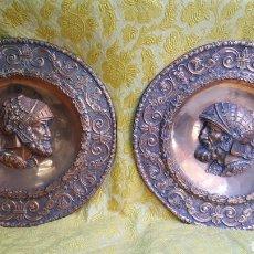 Antigüedades: PAREJA DE GRANDES PLATOS ANTIGUOS DE COBRE. Lote 168697428