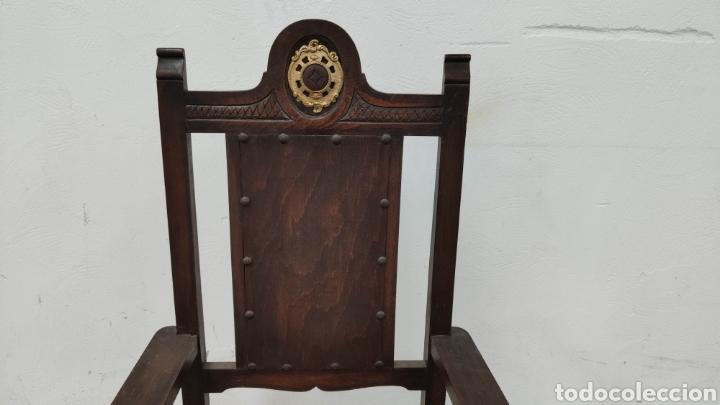 Antigüedades: ANTIGUO SILLÓN FRAILERO DE MADERA NOGAL - Foto 3 - 168704280