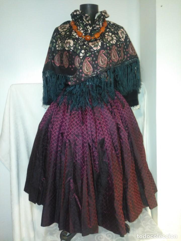 FALDA SAYA SEDA O SIMILAR BROCADA TORNASOLADA PARA INDUMENTARIA TRADICIONAL (Antigüedades - Moda y Complementos - Mujer)