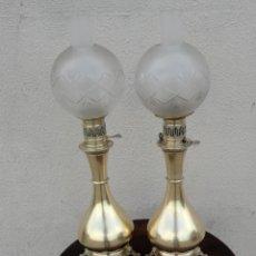 Antigüedades: PAREJA DE LAMPARAS QUINQUE ANTIGUAS DE GAS REALIZADAS EN BRONCE SXIX. Lote 168814280